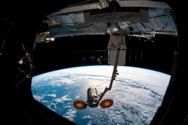 Una mirada a la Tierra desde el espacio. Cada vez más países se embarcan en la exploración espacial, con Estados Unidos, Rusia y China a la cabeza