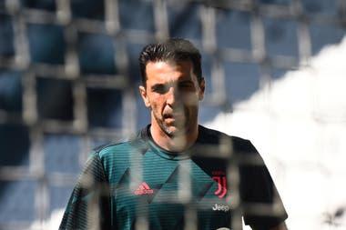 El arquero Buffon acumula 10 títulos de Serie A en Juventus y jugó cinco mundiales.