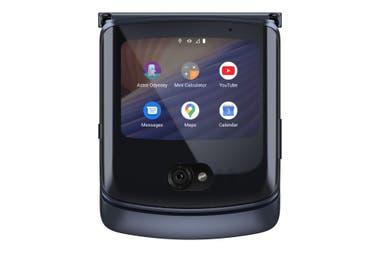 El nuevo Razr 5G tiene una pantalla externa de 2,7 pulgadas donde ver las notificaciones de Android; también permite el acceso rápido a algunas aplicaciones en esa pantalla