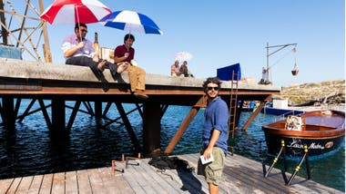 El director Sydney Sibilia bromea diciendo que ahora aconseja a otros directores que solo filmen películas en tierra firme
