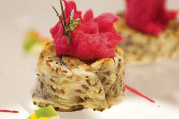 Receta de Rosquillas de papa con mousse de remolachas