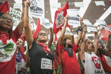 Partidiarios de Lula participaron en un evento en la sede del sindicato metalúrgico en Sao Bernardo Do Campo, Brasil