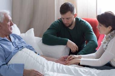 Hablar sobre la muerte nos permite a todos encontrar consuelo, asegura la médica.