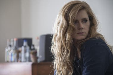 Amy Adams, en Sharp Objects