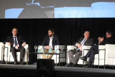 Carlos Riusech, CEO de Gorina, Rodrigo Troncoso, subsecretario de Ganadería, Daniel Urcía, consejero del Ipcva, y Marcelo Rossi, director de Control Comercial Agropecuario