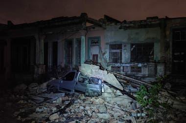 Un tornado sorprendió a La Habana y causó al menos tres