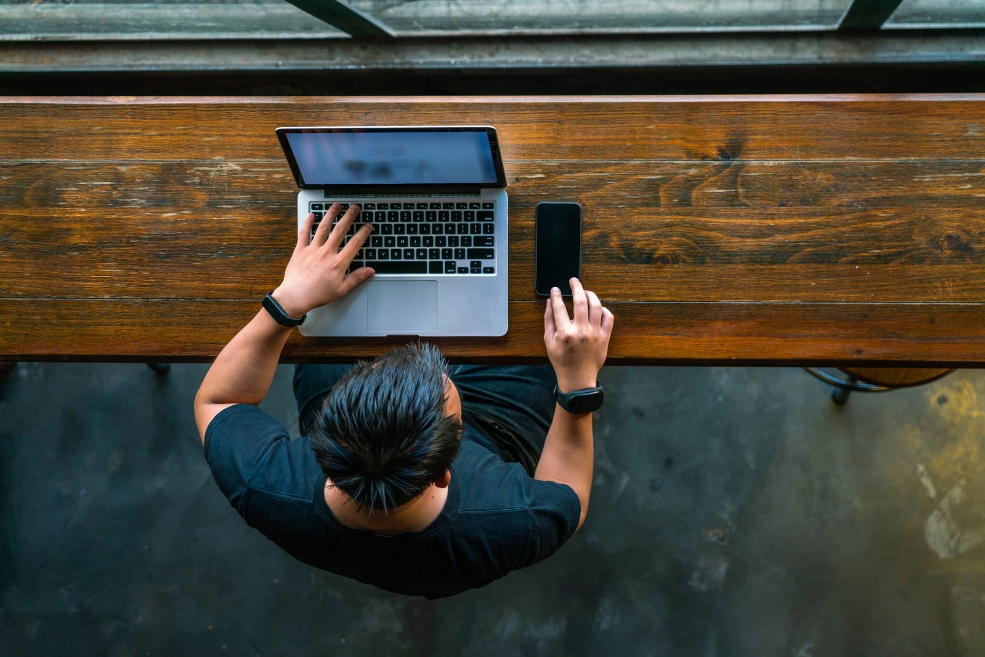 Cómo volverse un cibercriminal y ganar dinero en un par de horas