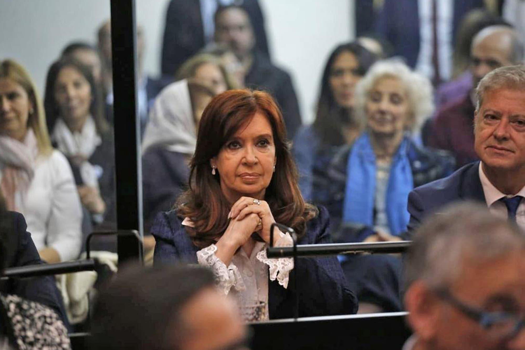 Cristina Kirchner pidió que la OA y la UIF no intervengan más en el juicio por presunto fraude en la obra pública