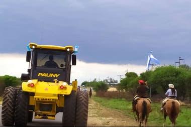 De a caballo y en tractores en Anta, Salta