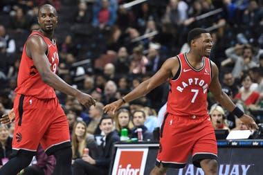Serge Ibaka y Kyle Lowry, dos campeones con los Raptors que van por más