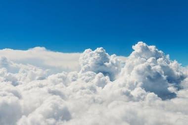 Las bacterias en el aire y las partículas de hielo que algunas de ellas pueden transportar pueden convertirse en los núcleos necesarios para formar nubes.