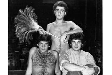 Hugo Asencio (sentado, a la izquierda), en Proceso interior, con Walter Ferreyra Ramos