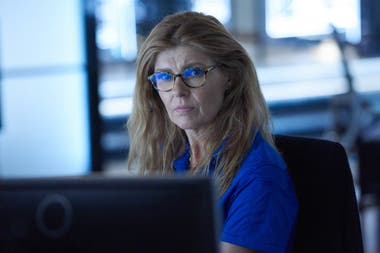 Connie Britton en la serie 9-1-1