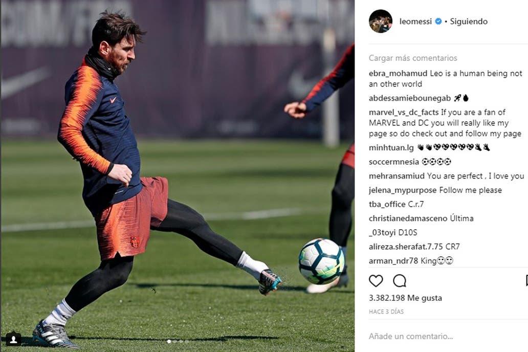 El particular movimiento de la pierna izquierda de Messi en el entrenamiento