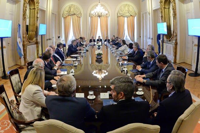 Quiénes son los gobernadores que ahorran plata y por qué son clave para los planes de Macri
