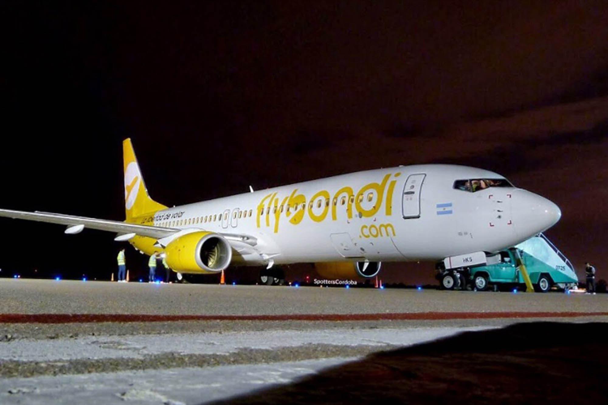 Tras el caos de la madrugada, reanudaron los vuelos en el aeropuerto de El Palomar