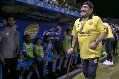 Diego Maradona cumple 58 años  su presente en México y un repaso con ... d8521b43afca