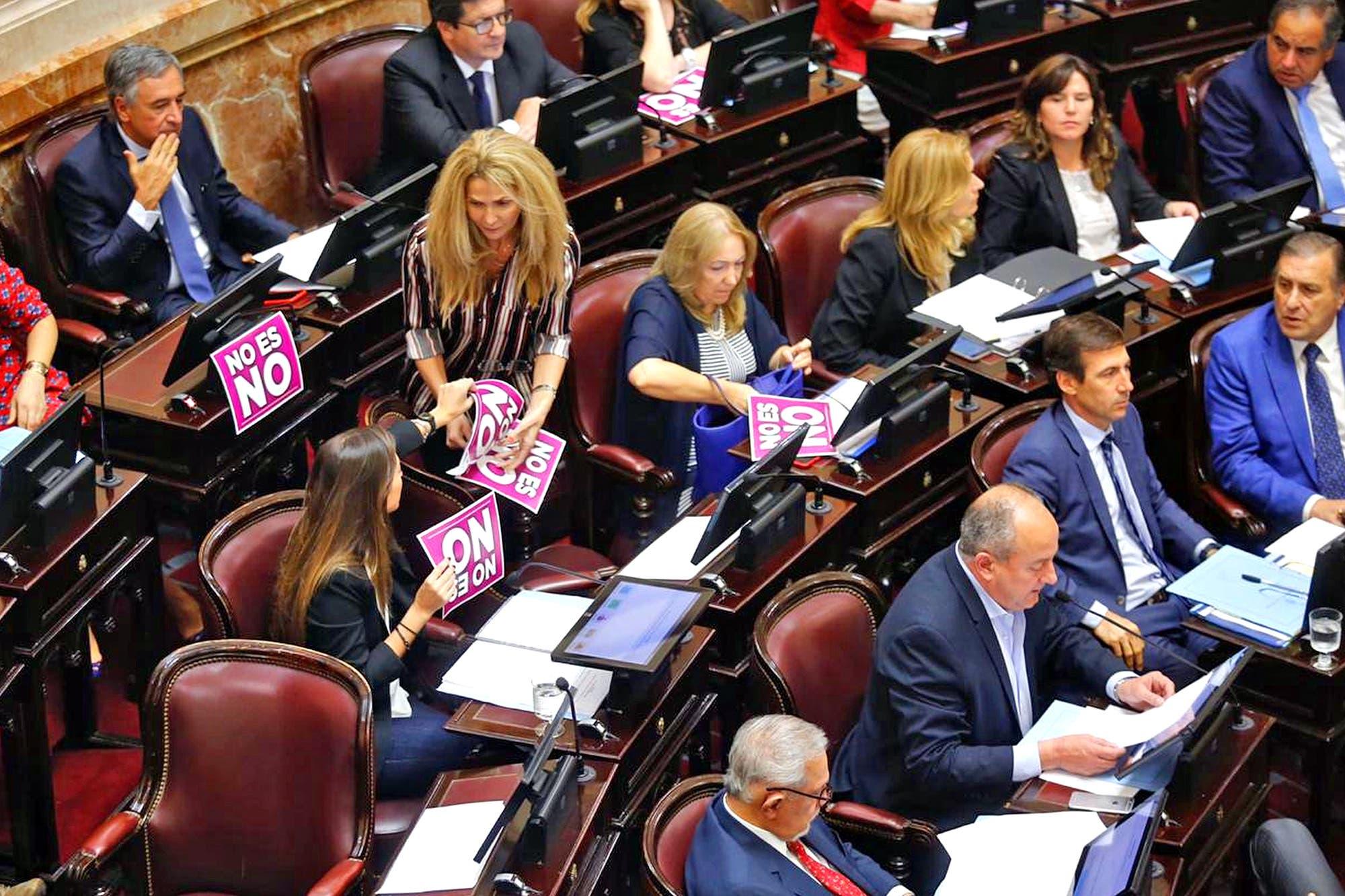 """En el Senado, Marino negó la acusación de abuso sexual: """"Pongo a disposición mis fueros"""""""