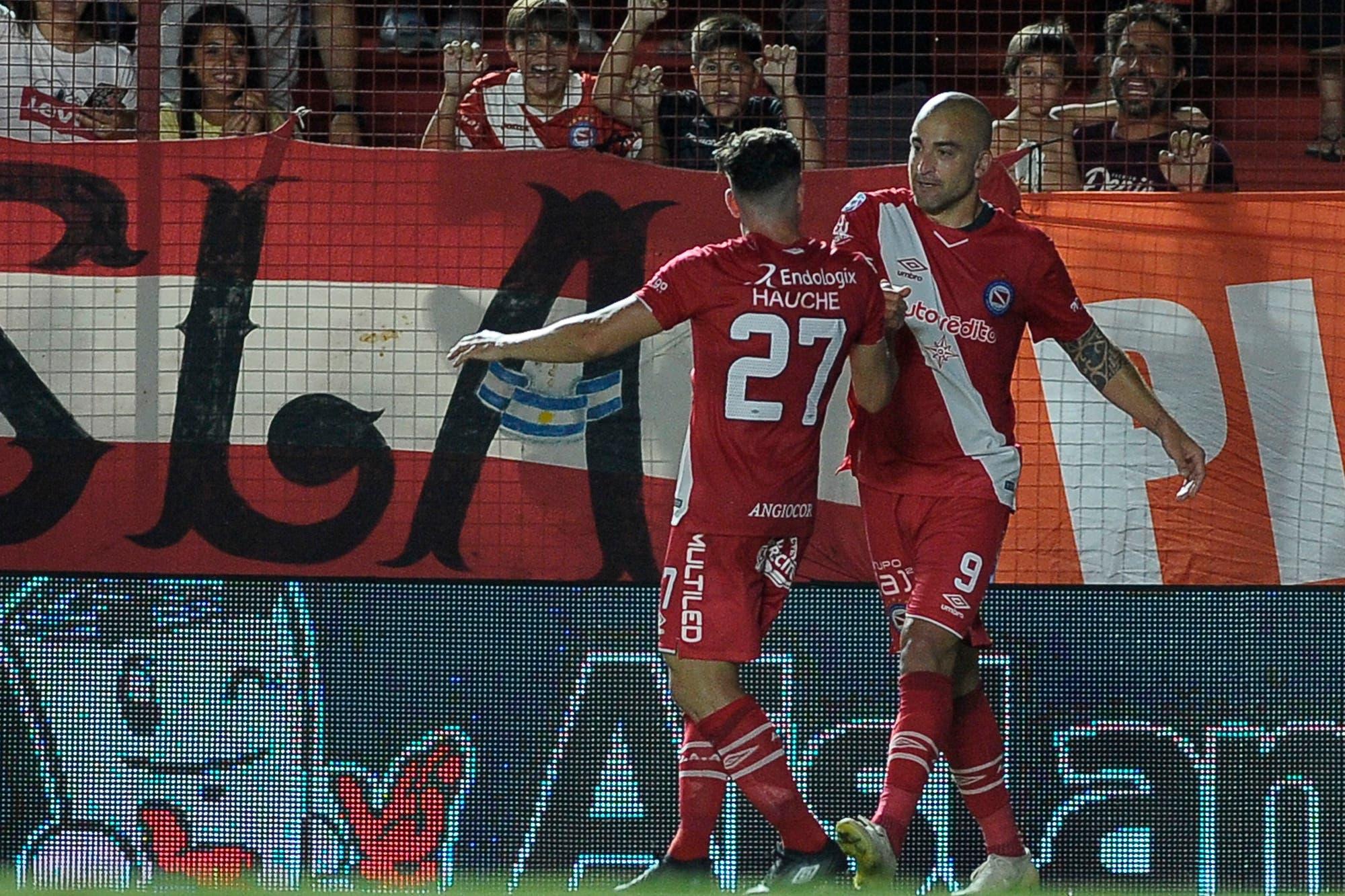 Argentinos-Lanús, Superliga: horario, TV y formaciones