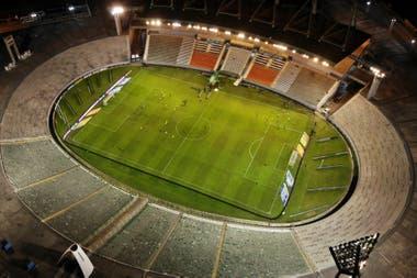 Una vista aérea del estadio de Mar del Plata, durante Aldosivi-Racing, que se jugó sin público. Fue durante el último fin de semana en que hubo fútbol en Argentina