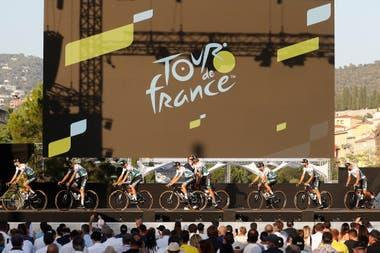Empieza el Tour de Francia, con 176 ciclistas y el público desafiando el  virus durante 3400 kilómetros - LA NACION