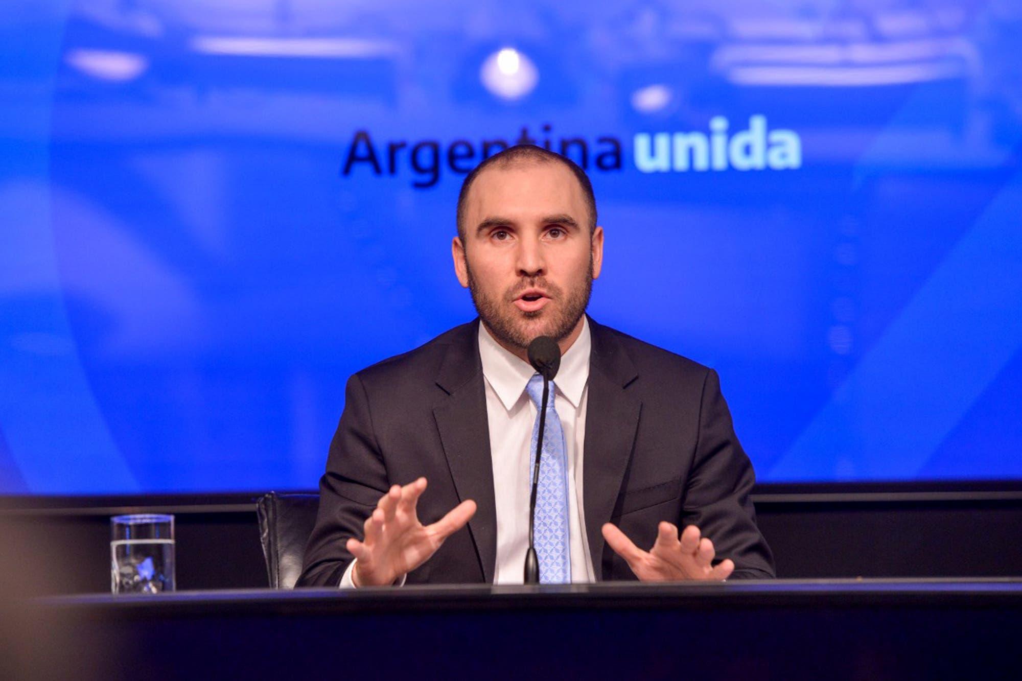 Guzmán ratificó que sigue el dólar ahorro y dijo que busca estabilizar la brecha