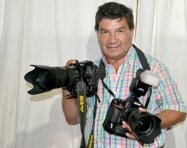 Sixto Fariño trabaja de reportero gráfico desde hace 46 años