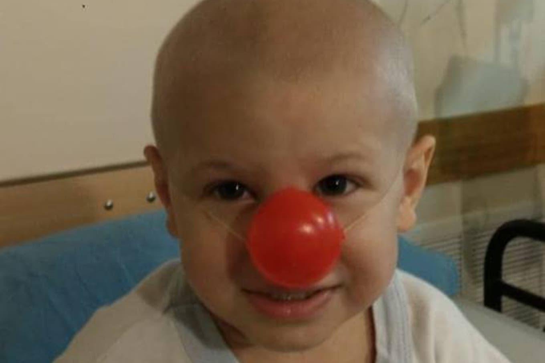 Enzo tiene tres años y necesita ayuda para luchar contra el cáncer