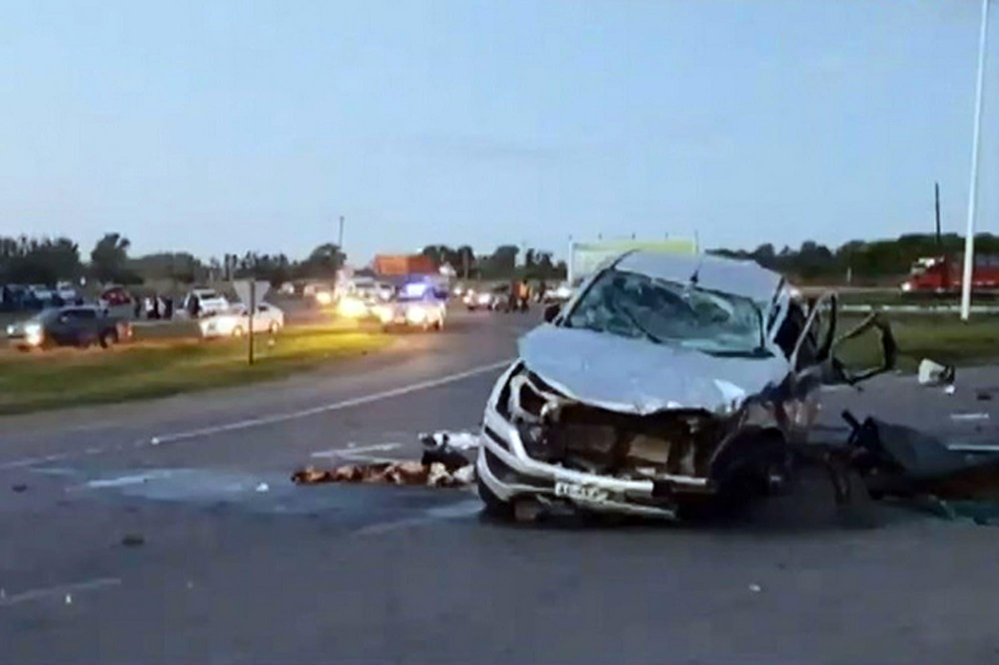 Choque fatal en Areco entre un camión y una camioneta: al menos 8 muertos