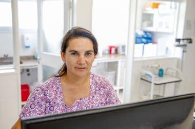 Cristina Mellado es enfermera, trabaja hace 20 años en salud pública y vive hace 27 en Añelo