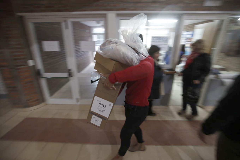 Elecciones 2019 en vivo: abren las escuelas y ya se votan las PASO en todo el país