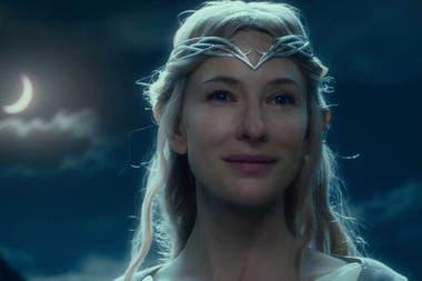 2001-2014. Su etérea y terrible Galadriel, la reina de los elfos de El Señor de los Anillos, le ganó el amor eterno de los fans de Tolkien