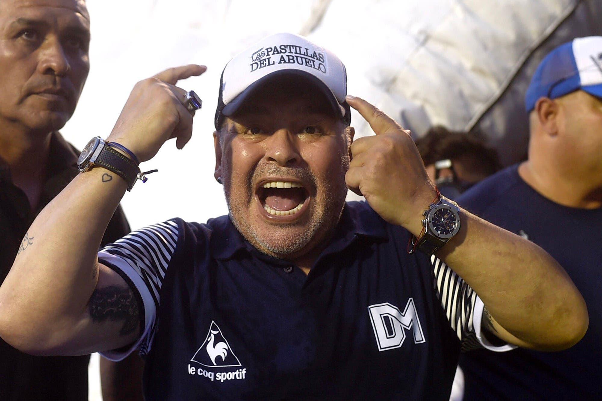 """Maradona sube la apuesta: """"Me entusiasma ganarle a Boca en la Bombonera, yo soy el técnico de Gimnasia"""""""