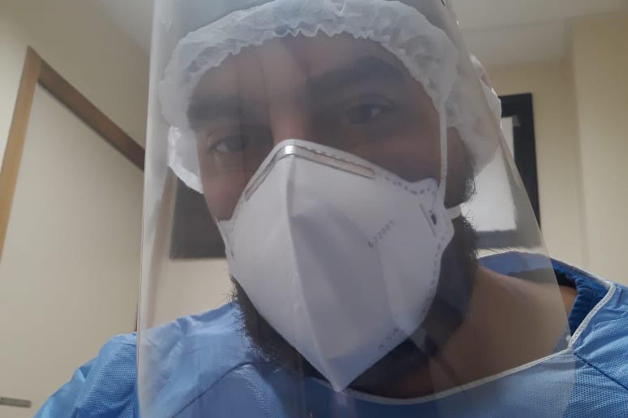 Despreciado por Bolsonaro, un médico cubano vuelve a ejercer para combatir el virus en la Amazonia