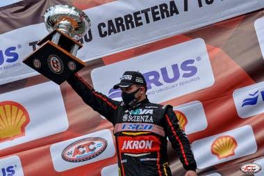 Valentín Aguirre, en racha: el arrecifeño, de 23 años, venía de ganar en San Luis y repitió en Buenos Aires; el piloto de Dodge es el puntero del campeonato