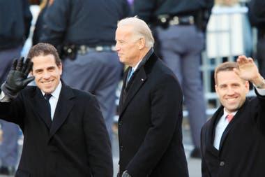 Joe Biden junto a sus hijos Hunter Biden y Beau Biden