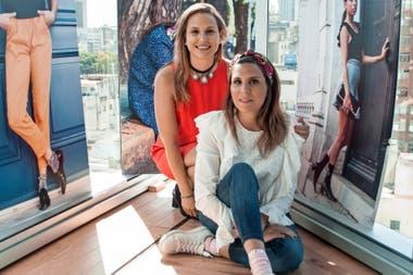 Soledad es psicóloga y Sofía, contadora. Juntas, crearon la marca de medias intervenidas Tu par