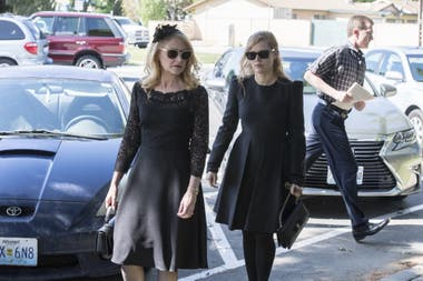 Patricia Clarkson y Amy Adams son madre e hija en Sharp Objects, la serie de HBO que adapta la novela de Gillian Flynn