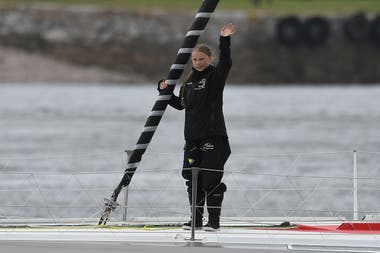Greta Thunberg se despide a bordo del Malizia II