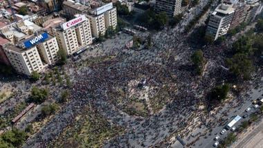 Miles de personas salieron a las calles del país en los últimos días para reclamar mejoras económicas y sociales.