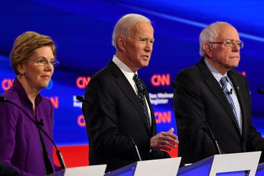 Elizabeth Warren, que se perfila entre las favoritas, defendió con firmeza la idea de una mujer presidenta