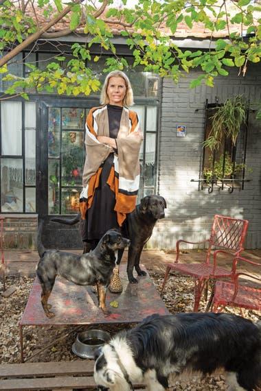 """""""Un perro que está atado todo el día al rayo del sol es lógico que sea malo, pero ¿de quién es la culpa, del animal o del humano? Los perros no tienen maldad, son puro amor"""""""