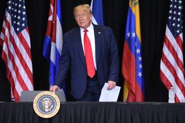 Coronavirus: en medio de críticas, Trump visita Florida, epicentro ...