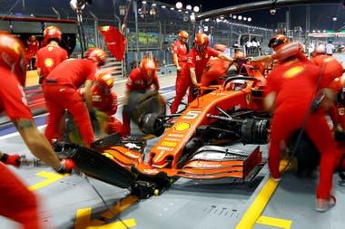 En la pista y en los pit stop, Ferrari no descubre su mejor versión: en el Mundial de Paradas, la Scuderia marcha sexta, con 18 unidades, a 75 puntos de Red Bull Racing