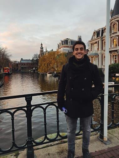 Lucas Cairella es country manager de una empresa de software y está pensando en irse a Uruguay, Chile o Perú