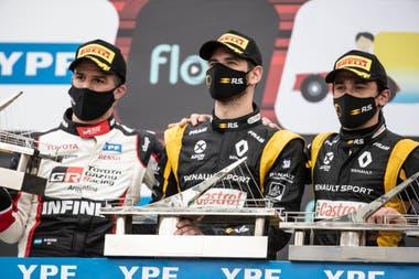 El podio de la segundan fecha del Súper TC2000: el ganador Facundo Ardusso, flanqueado por Matías Rossi y Matías Milla
