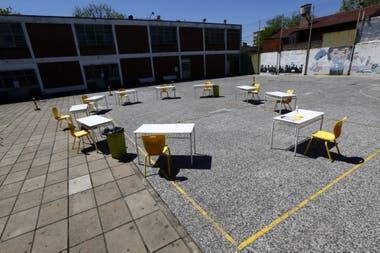 Así prepararon los espacios al aire libre en la Escuela Técnica N° 27 Hipólito Yrigoyen