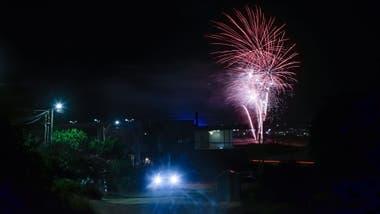 Fuegos Artificiales Fiestas En Casas Y Cumbia Asi Celebraron El