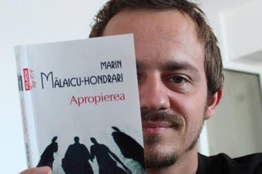 Victor Miron publicó varias obras de poesía y es el cerebro de varias iniciativas para promover la literatura en Rumania.