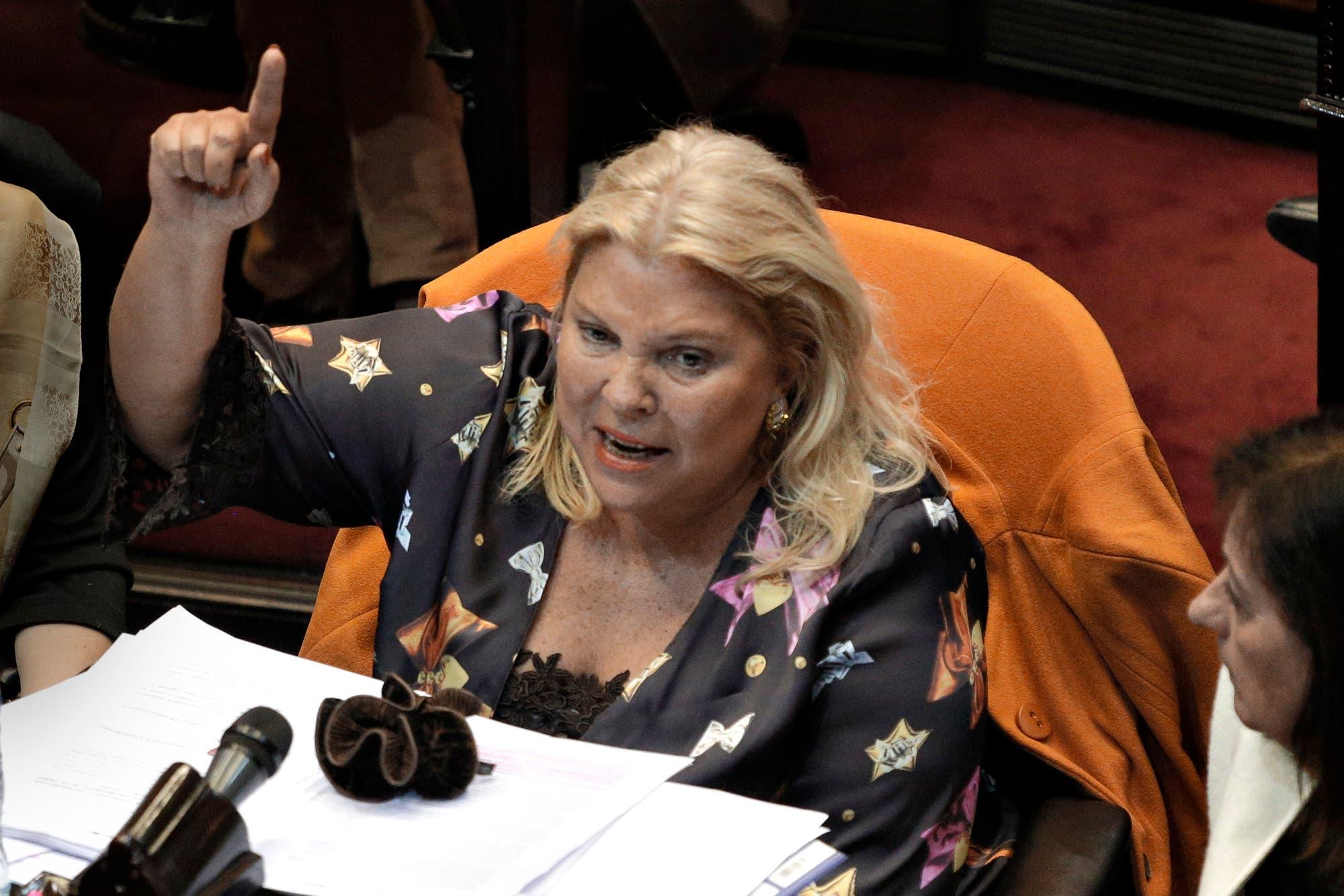Elisa Carrió propuso debatir en el Congreso el protocolo para el uso de armas de fuego